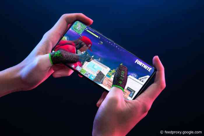 Razor finger sleeves offer more precision while mobile gaming