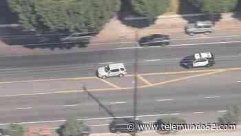 Oficiales detienen a conductor que inició una persecución en área de Santa Ana - Telemundo 52