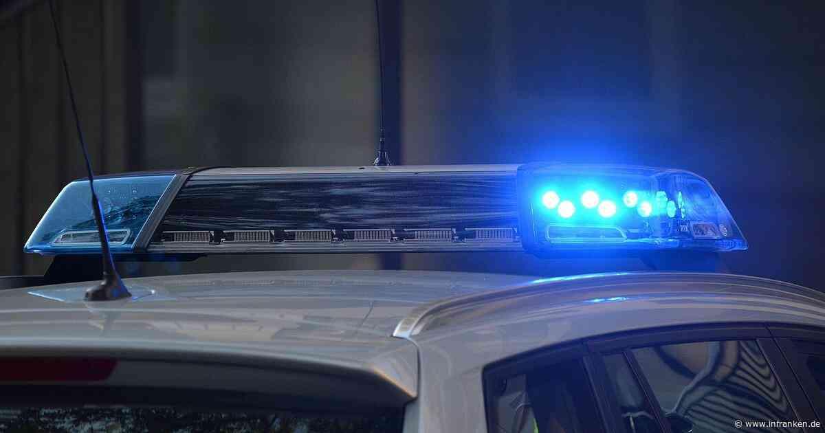 Aschaffenburg: Polizeiwagen prallt in Kleintransporter - Zeugen gesucht - inFranken.de