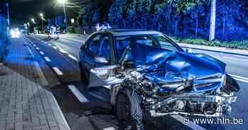 Bestelwagen grijpt man die uitstapt na ongeval in Brakel: slachtoffer in levensgevaar - Het Laatste Nieuws