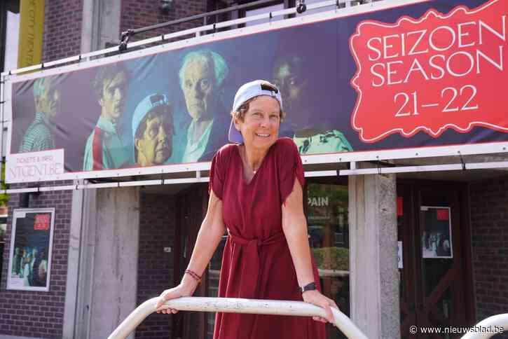 """Dierenarts op rust Anne (72) speelt hoofdrol in nieuw stuk van NTGent: """"Thuis luister ik naar huilende wolven"""""""