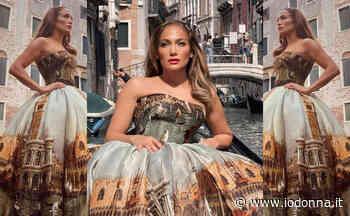 Jennifer Lopez in gondola per la crema solare JLo Beauty - Io Donna