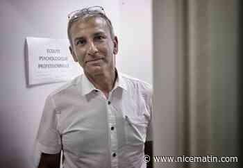 """Vaccin anti-covid: pour ce psychiatre de Nice, il faut """"arrêter de faire la morale et comprendre les motivations"""" des seniors réfractaires"""