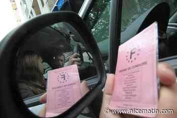 Puis-je réserver la date d'examen de mon permis de conduire en m'inscrivant en ligne?