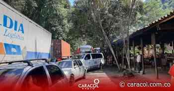 Cierres viales en la vía Manizales – Medellín afecta el turismo - Caracol Radio