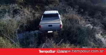 Un auto cayó por un barranco - TiempoSur Diario Digital