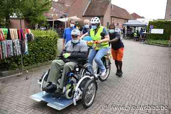 Nieuwe rolstoelfiets én bouwplannen voor woonzorgcentrum Sin... (Nijlen) - Het Nieuwsblad