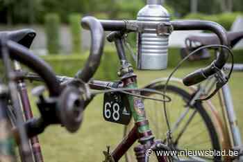Zesde 'Retro-Vinyl-Bicyclemarkt' in Klein Parksken (Aalst) - Het Nieuwsblad