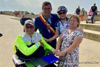 """Verlamde Willy (65) brengt rolstoeltocht door Vlaanderen tot goed einde: """"We hadden gelukkig de weergoden mee"""""""