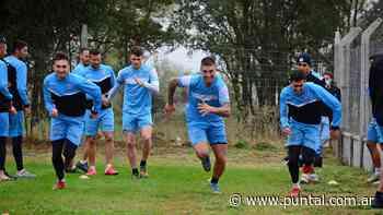 Estudiantes viajó a Buenos Aires para el duelo ante Chacarita - Puntal