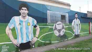 Messi y Maradona retratados en un mural en Monte Grande: Los pibes vienen a sacarse fotos - El Diario Sur