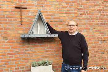 """Filip (51) knapt verkommerd kapelletje op na overlijden van bejaard koppel: """"De geschiedenis van Melle redden"""" - Het Nieuwsblad"""