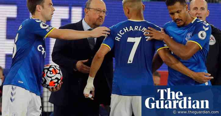 Everton's Benítez insists there is no bad blood between him and Richarlison