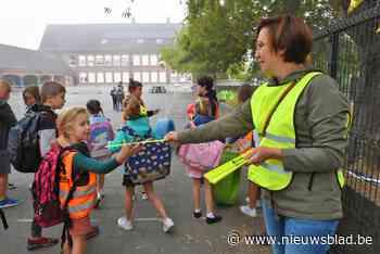 Schepenen belonen leerlingen tijdens Strapdag (Kuurne) - Het Nieuwsblad