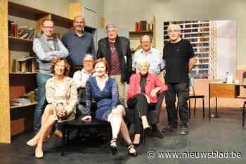 Tjen (72) en Luc (68) vieren hun jubileum in het theater en dit keer mogen ze zelf in de spotlights staan