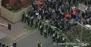 Hundreds of lockdown demonstrators in Melbourne defy police - 9News