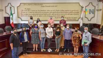 En Xalapa, escuelas reciben apoyos por el regreso a clases - MÁSNOTICIAS