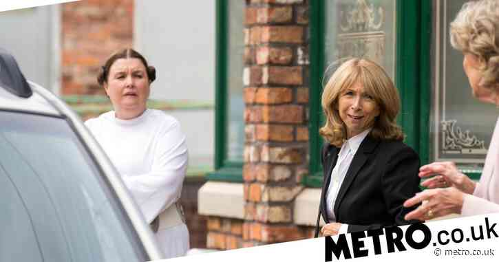 Coronation Street spoilers: Mary decapitates a paperboy with a chainsaw