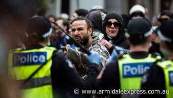 Melbourne lockdown protesters clash with police at rally - Armidale Express