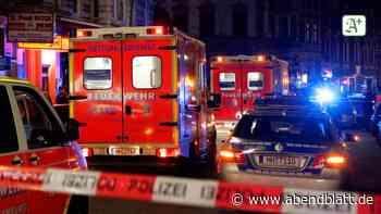 Polizei Hamburg: Feuerwehreinsatz auf St. Pauli: Polizei sperrt Reeperbahn