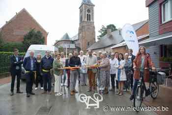 Vernieuwde Oudezakstraat en Marcel Matthysstraat feestelijk ... (Beernem) - Het Nieuwsblad