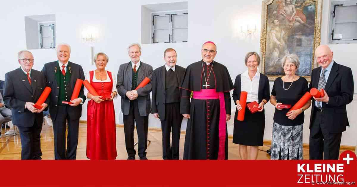 Ehrenamtliche ausgezeichnet: Ihr Herz und ihre Seele brennt für die Kirche - Kleine Zeitung