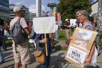 """300 """"vaccin-critici"""" betogen voor gebouwen VTM en VRT"""