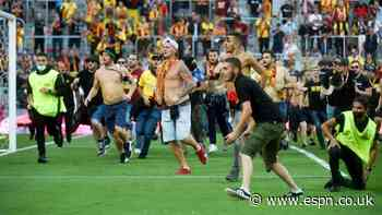 Pitch invasion mars Lens win over champs Lille