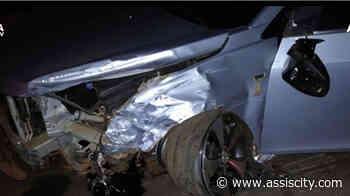 Motorista perde controle e bate na defensa metálica entre Assis e Tarumã - Assiscity