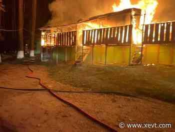 Incendio consume locales de indígenas en San Cristóbal - XeVT 104.1 FM   Telereportaje