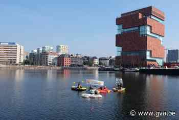 Opmerkelijke actie tegen chemiebedrijf Ineos in Bonapartedok (Antwerpen) - Gazet van Antwerpen Mobile - Gazet van Antwerpen