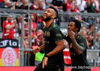 Lewandowski scores again as Bayern Munich routs Bochum 7-0