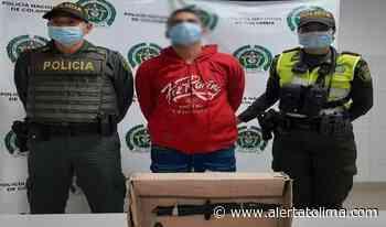 Sujeto se 'enchuquizó' y cogió a cuchillo a dos policías en el parque del barrio Santa Ana - Alerta Tolima