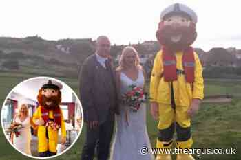 Pete and Carol Shewell's wedding gifts going to Newhaven RNLI