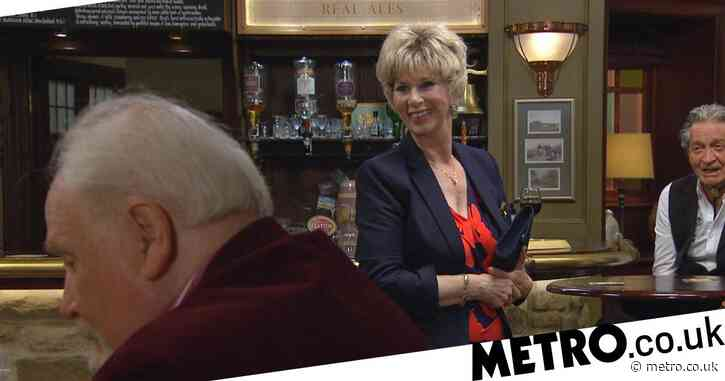 Emmerdale spoilers: Diane Sugden's new love interest plays with her jigsaw on the first date