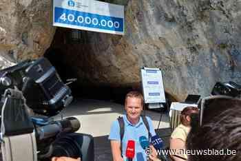 """Mathieu verrast door tientallen camera's aan uitgang Sloveense grot: """"Ik bleek de 40.000.001ste bezoeker"""""""