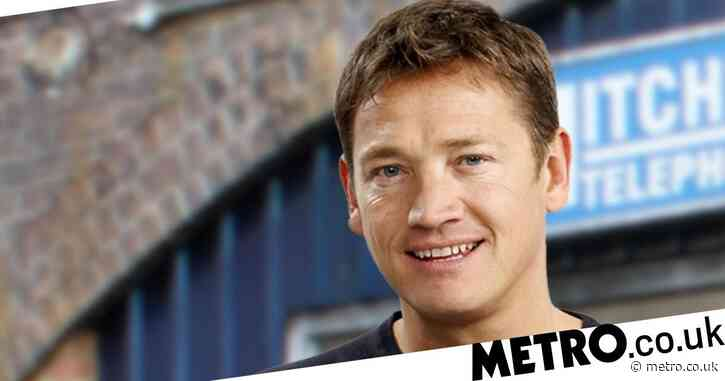 EastEnders star Sid Owen to become dad for first time at 49 and is getting married