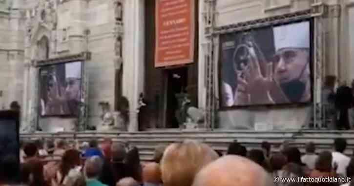 Napoli, il miracolo di San Gennaro si ripete. Maxi schermi per i fedeli fuori dal Duomo per assistere alla funzione