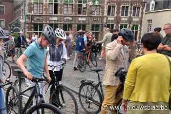 """Koning Filip en gezin fietsen door Gent voor autoloze zondag: """"Leuk, zo'n beetje sporten"""""""