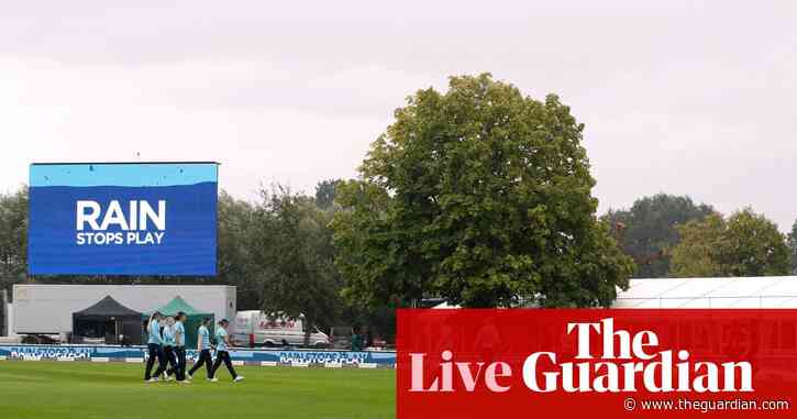 England set New Zealand 198 to win second women's ODI – rain stops play