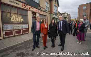 Lindsay Hoyle takes Nancy Pelosi to Coronation Street