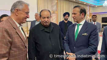 Ambassador Ajay Bisaria meets Indian community in Vancouver