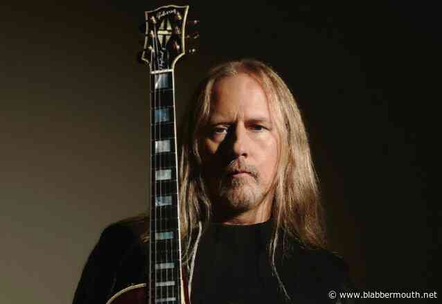 ALICE IN CHAINS' JERRY CANTRELL: 'Rock And Roll Is Healthy And Thriving'