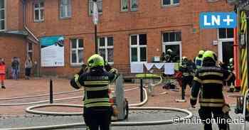 Bad Schwartau: Großeinsatz wegen Feuer am Bahnhof - Lübecker Nachrichten