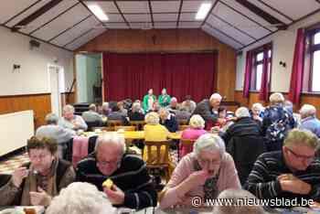 Vrije Senioren genieten van hun nieuwe vrijheid in zaal De Brukkes - Het Nieuwsblad