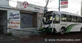Guadalupe. Ruta 228 se impacta contra postes en Adolfo López Mateos - Multimedios