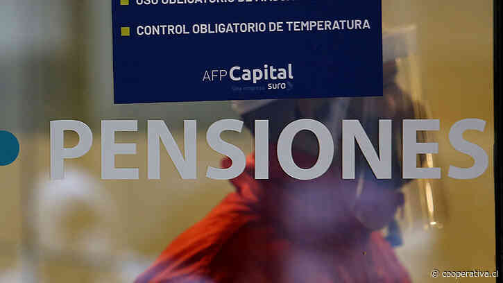 """Gobierno ingresa hoy la ley corta de pensiones con """"discusión inmediata"""""""