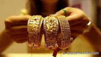 Gold prices fall down to reach Rs 45,500; Check rates in your city