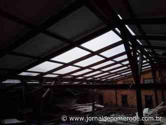 Vídeo: Vento e chuva causam danos em Prefeitura de Pomerode, na noite de sexta-feira - Jornal de Pomerode