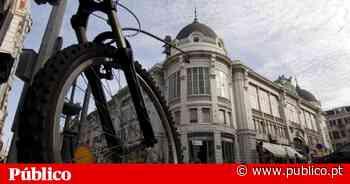Livre andou de bicicleta pelo Porto a mostrar os riscos para os ciclistas - PÚBLICO